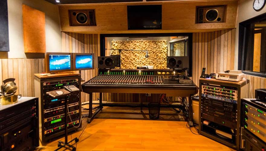 Modern Sound Recording Studio Extensive Music Production Facilities